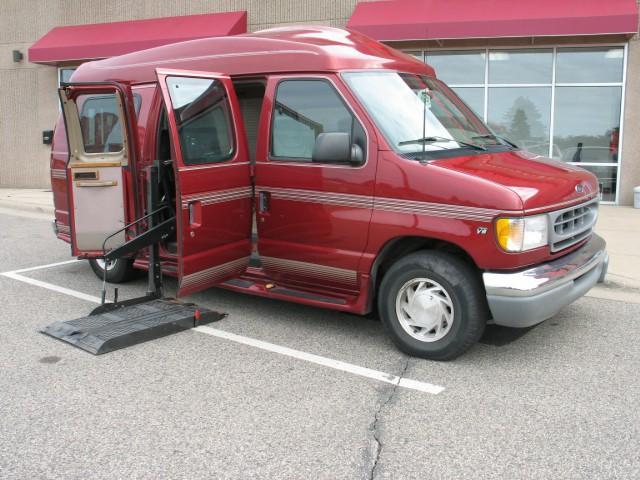 rental conversion vans in autos post. Black Bedroom Furniture Sets. Home Design Ideas