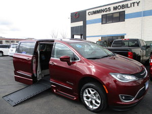 Used Wheelchair Van For Sale: 2018 Chrysler Pacifica Touring Wheelchair Accessible Van For Sale with a BraunAbility Chrysler Pacifica Infloor on it. VIN: 2C4RC1BG8JR312072