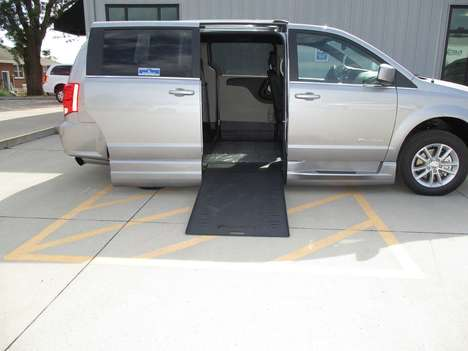 New Wheelchair Van For Sale: 2020 Dodge Grand Caravan SXT Wheelchair Accessible Van For Sale with a BraunAbility Dodge Entervan Xi Infloor on it. VIN: 2C7WDGCG4LR214387