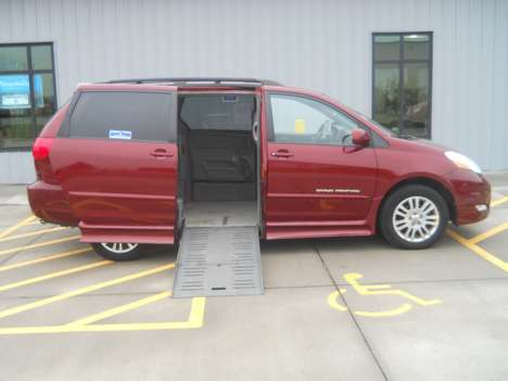 Used Wheelchair Van For Sale: 2008 Toyota Sienna LE Wheelchair Accessible Van For Sale with a  on it. VIN: 5TDZK22C38S173024