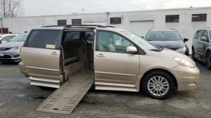 Used Wheelchair Van For Sale: 2007 Toyota Sienna XLE 7-Passenger  Wheelchair Accessible Van For Sale with a BraunAbility - Toyota Rampvan XT on it. VIN: 5TDZK22C27S019824