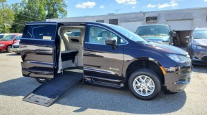 Used Wheelchair Van For Sale: 2017 Chrysler Pacifica Touring Wheelchair Accessible Van For Sale with a BraunAbility - Chrysler Entervan XT on it. VIN: 2C4RC1DG2HR644869