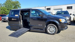 Used Wheelchair Van For Sale: 2019 Dodge Caravan  Wheelchair Accessible Van For Sale with a BraunAbility - Dodge Entervan XT on it. VIN: 2C4RDGCG3KR612036