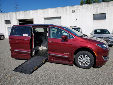 Used Wheelchair Van For Sale: 2018 Chrysler Pacifica Touring L Wheelchair Accessible Van For Sale with a BraunAbility - Chrysler Pacifica Foldout XT on it. VIN: 2C4RC1EG7JR168140
