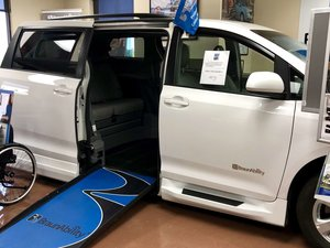 Used Wheelchair Van For Sale: 2017 Toyota Sienna SE Wheelchair Accessible Van For Sale with a  on it. VIN: 5TDKZ3DC8HS889076