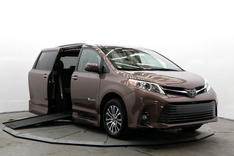 Used Wheelchair Van For Sale: 2018 Toyota Sienna XLE Wheelchair Accessible Van For Sale with a BraunAbility - Toyota Rampvan Xi on it. VIN: 5TDYZ3DC5JS961397