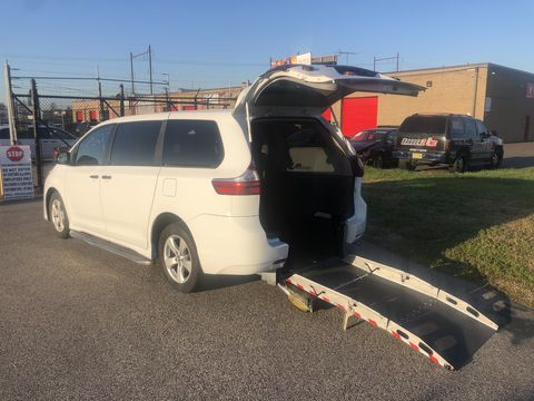 Used Wheelchair Van For Sale: 2018 Toyota Sienna L Wheelchair Accessible Van For Sale with a FR Wheelchair Vans - Toyota Rear Entry on it. VIN: 	5TDZZ3DC7JS951717