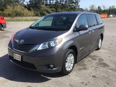 Used Wheelchair Van For Sale: 2011 Toyota Sienna XLE Wheelchair Accessible Van For Sale with a BraunAbility - Toyota Rampvan XT on it. VIN: 5TDYK3DC0BS111165