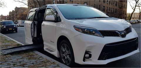 Used Wheelchair Van For Sale: 2010 Toyota Sienna LE Wheelchair Accessible Van For Sale with a BraunAbility - Toyota BraunAbility Li on it. VIN: 5TDKK4CC3AS302980
