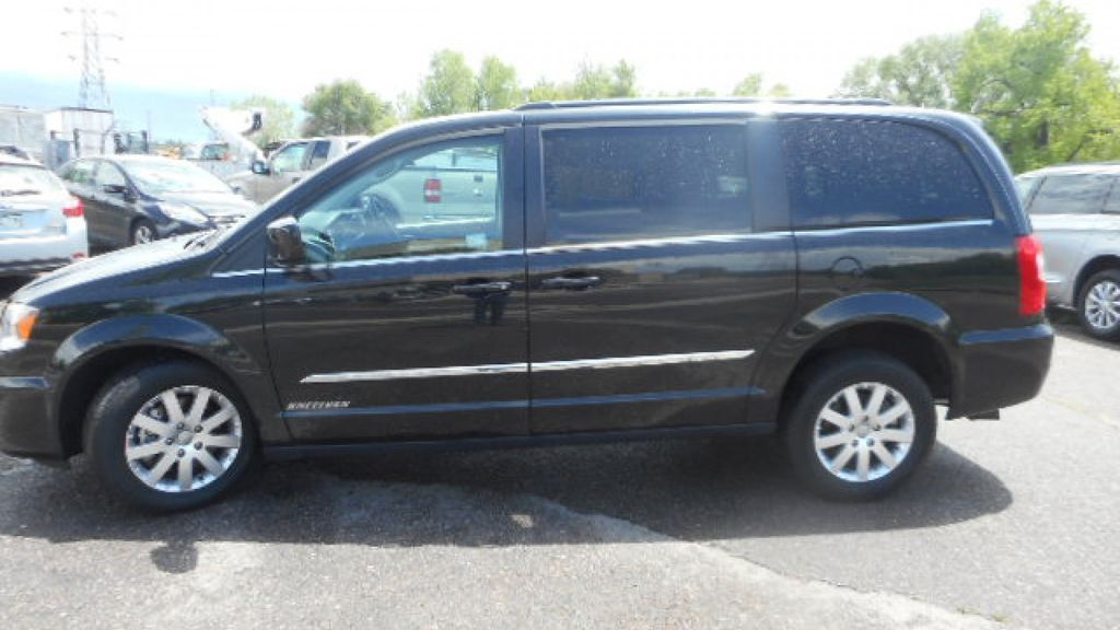 2135100cc8 Used Wheelchair Van For Sale  2016 Chrysler Town   Country Wheelchair  Accessible Van For Sale