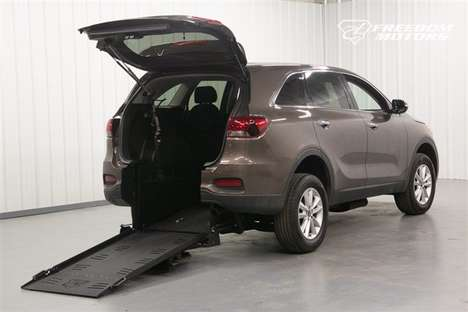 New Wheelchair Van For Sale: 2019 Kia Sorento L Wheelchair Accessible Van For Sale with a Automatic (No Kneel) on it. VIN: 5XYPG4A57KG563961