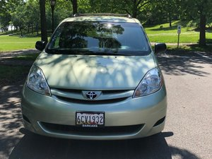 Used Wheelchair Van For Sale: 2009 Toyota Sienna LE Wheelchair Accessible Van For Sale with a  on it. VIN: 5TDZK23C79S282585