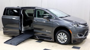 Used Wheelchair Van For Sale: 2018 Chrysler Pacifica Touring Wheelchair Accessible Van For Sale with a BraunAbility - Chrysler Pacifica Infloor on it. VIN: 2C4RC1FG5JR114060