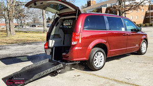 Used Wheelchair Van For Sale: 2019 Dodge Grand Caravan S Wheelchair Accessible Van For Sale with a Revability DODGE GRAND CARAVAN ADVANTAGE RE on it. VIN: 2C4RDGCG0KR509818