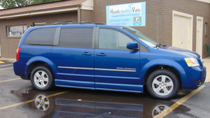 Used Wheelchair Van For Sale: 2010 Dodge Grand Caravan SXT Wheelchair Accessible Van For Sale with a BraunAbility BraunAbility Pacifica Power Foldout on it. VIN: 2D4RN5D10AR297001