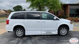 Used Wheelchair Van For Sale: 2018 Dodge Grand Caravan L Wheelchair Accessible Van For Sale with a BraunAbility Dodge Entervan Xi Infloor on it. VIN: 2C4RDGEG4JR220338