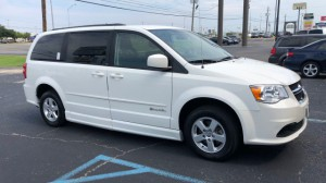 Used Wheelchair Van For Sale: 2012 Dodge Caravan  Wheelchair Accessible Van For Sale with a BraunAbility - Dodge Entervan II on it. VIN: 2C4RDGCG8CR396069