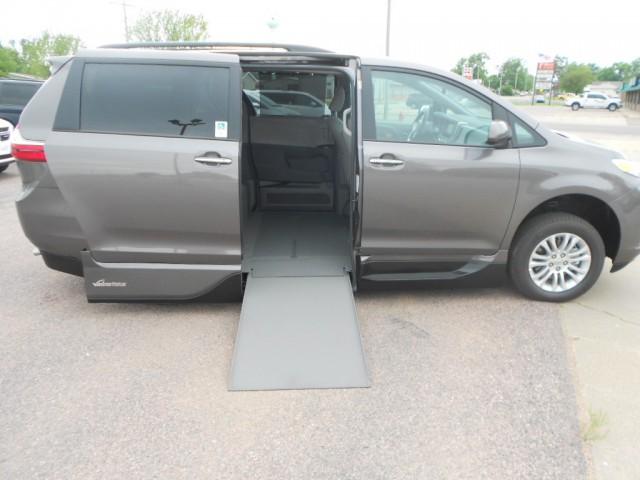 2015 toyota sienna xle wheelchair van for sale vmi northstar infloor vin. Black Bedroom Furniture Sets. Home Design Ideas