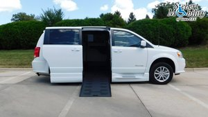 Used Wheelchair Van For Sale: 2019 Dodge Grand Caravan SXT Wheelchair Accessible Van For Sale with a BraunAbility Dodge Entervan XT on it. VIN: 2C4RDGCG4KR556706