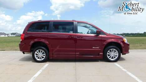 Used Wheelchair Van For Sale: 2019 Dodge Grand Caravan SXT Wheelchair Accessible Van For Sale with a BraunAbility Dodge Entervan XT on it. VIN: 2C4RDGCG4KR679339
