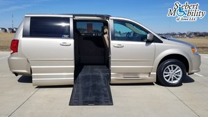 Used Wheelchair Van For Sale: 2015 Dodge Grand Caravan SXT Wheelchair Accessible Van For Sale with a  on it. VIN: 2C4RDGCG5FR623559