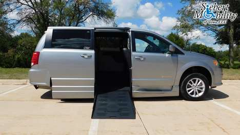 Used Wheelchair Van For Sale: 2018 Dodge Grand Caravan SXT Wheelchair Accessible Van For Sale with a BraunAbility Dodge Entervan XT on it. VIN: 2C4RDGCGXJR265190
