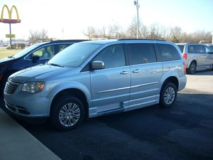 Used Wheelchair Van For 2016 Chrysler Town Country Touring Accessible