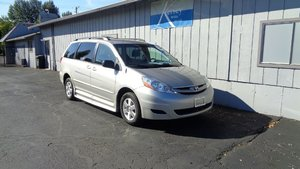 Used Wheelchair Van For Sale: 2008 Toyota Sienna LE Wheelchair Accessible Van For Sale with a BraunAbility Toyota Rampvan XL on it. VIN: 5TDZK23CX8S113725
