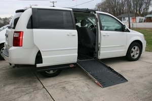 Used Wheelchair Van For Sale: 2009 Dodge Grand Caravan SXT Wheelchair Accessible Van For Sale with a AMS on it. VIN: 2D8HN54189R596161
