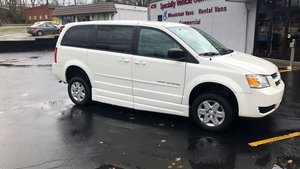 Used Wheelchair Van For Sale: 2009 Dodge Grand Caravan S Wheelchair Accessible Van For Sale with a BraunAbility Entervan - Manual on it. VIN: 1D8HN44E19B520681