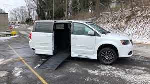 Used Wheelchair Van For Sale: 2015 Dodge Grand Caravan S Wheelchair Accessible Van For Sale with a BraunAbility Dodge Entervan XT on it. VIN: 2C4RDGBGXFR643209
