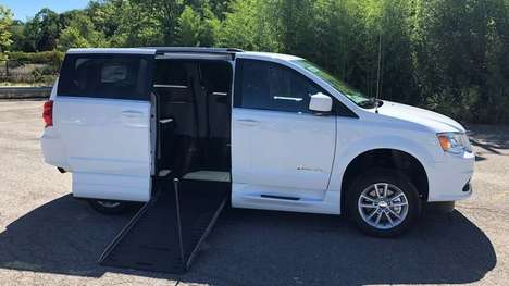 Used Wheelchair Van For Sale: 2020 Dodge Grand Caravan SXT Wheelchair Accessible Van For Sale with a BraunAbility Dodge Simple Stow on it. VIN: 2C4RDGCG4LR183720