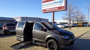 Used Wheelchair Van For Sale: 2019 Dodge Caravan  Wheelchair Accessible Van For Sale with a BraunAbility - Dodge Entervan XT on it. VIN: 2C4RDGEG4KR674929