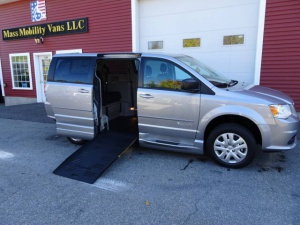 New Wheelchair Van For Sale: 2017 Dodge Grand Caravan SE Wheelchair Accessible Van For Sale with a BRAUNABILITY MANUAL FOLDOUT RAMP on it. VIN: 2C4RDGBGXHR784001