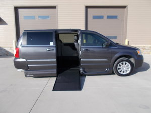 Used Wheelchair Van For Sale: 2015 Chrysler Town & Country LE Wheelchair Accessible Van For Sale with a Northstar on it. VIN: 2C4RC1BG3FR644962
