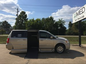 Used Wheelchair Van For Sale: 2015 Chrysler Town & Country Touring Wheelchair Accessible Van For Sale with a Northstar on it. VIN: 2C4RC1BG8FR595886
