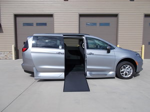 Used Wheelchair Van For Sale: 2018 Chrysler Pacifica Touring Wheelchair Accessible Van For Sale with a Northstar on it. VIN: 2C4RC1DG0JR307736