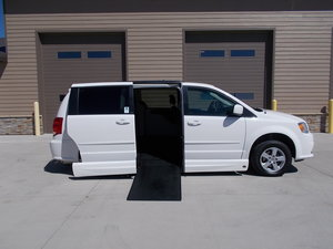 Used Wheelchair Van For Sale: 2012 Dodge Grand Caravan SXT Wheelchair Accessible Van For Sale with a Northstar on it. VIN: 2C4RDGCG7CR147388