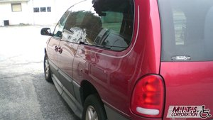 Used Wheelchair Van For Sale: 2000 Dodge Grand Caravan S Wheelchair Accessible Van For Sale with a BraunAbility Dodge Entervan II on it. VIN: 1B4GP54L4YB718210