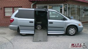 Used Wheelchair Van For Sale: 2006 Dodge Grand Caravan S Wheelchair Accessible Van For Sale with a BraunAbility Dodge Entervan II on it. VIN: 1D4GP24R66B508780