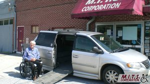 Used Wheelchair Van For Sale: 2005 Chrysler Town & Country Touring Wheelchair Accessible Van For Sale with a BraunAbility Chrysler Entervan II on it. VIN: 2C4GP54L55R534720