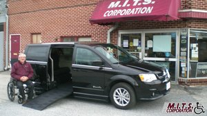 Used Wheelchair Van For Sale: 2018 Dodge Grand Caravan SXT Wheelchair Accessible Van For Sale with a BraunAbility Dodge Entervan II on it. VIN: 2C4RDGCG1JR207503