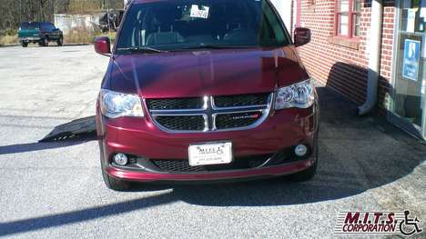 Used Wheelchair Van For Sale: 2017 Dodge Grand Caravan SXT Wheelchair Accessible Van For Sale with a  on it. VIN: 2C4RDGCG3HR747008