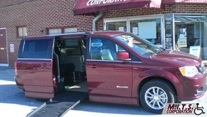 Used Wheelchair Van For Sale: 2019 Dodge Grand Caravan S Wheelchair Accessible Van For Sale with a  on it. VIN: 2C4RDGCGXKR606704
