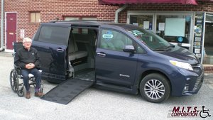 Used Wheelchair Van For Sale: 2019 Toyota Sienna XLE Wheelchair Accessible Van For Sale with a BraunAbility Toyota Rampvan XL on it. VIN: 5TDYZ3DC0KS003141