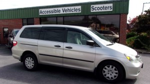 Used Wheelchair Van For Sale: 2007 Honda Odyssey LX  Wheelchair Accessible Van For Sale with a Vision Rear Entry - Vision Rear Entry Manual on it. VIN: 5FNRL382X7B115657