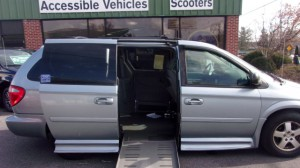 Used Wheelchair Van For Sale: 2005 Dodge Caravan  Wheelchair Accessible Van For Sale with a BraunAbility - Dodge Entervan II on it. VIN: 2D4GP44L95R207752
