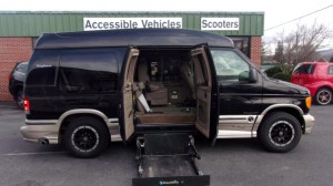 Used Wheelchair Van For Sale: 2007 Ford E-150 LT Wheelchair Accessible Van For Sale with a Non Branded - Please See Description on it. VIN: 1FDNE14L47DA13172