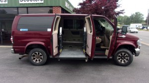 Used Wheelchair Van For Sale: 2007 Ford E-350 XL Wheelchair Accessible Van For Sale with a Non Branded - Please See Description on it. VIN: 1FDNE31LX7DB06366