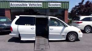 Used Wheelchair Van For Sale: 1999 Dodge Caravan  Wheelchair Accessible Van For Sale with a BraunAbility - Dodge Entervan II on it. VIN: 1B4GP44G2XB921334